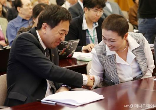 [사진]검찰개혁 토론회 참석한 금태섭-이언주