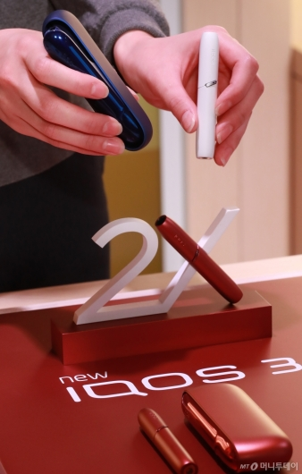 [사진]'재충전없이 2회 가능' 아이코스3 듀오 출시