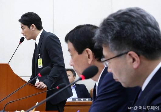 [사진]증인 발언하는 김상교