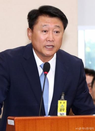 [사진]답변하는 이철성 전 경찰청장
