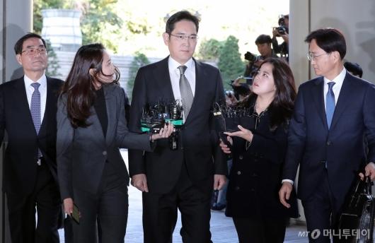 [사진]이재용 부회장 '다시 법정으로'