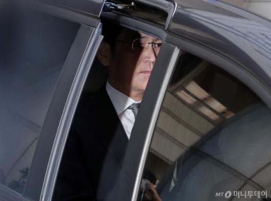 [사진]파기환송심 첫 공판 마친 이재용 부회장