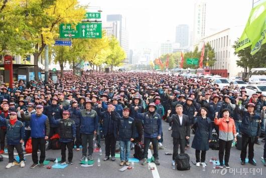 [사진]총파업 결의하는 서울지역 건설노조원들