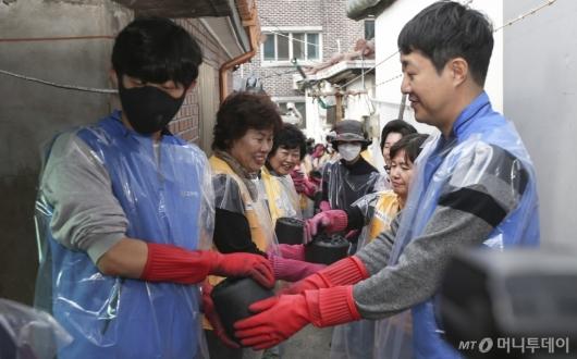 [사진]'따뜻한 손길'