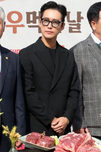 [사진]남궁민 '조각미남'