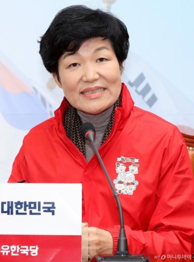 [사진]소감 말하는 이진숙 전 대전 MBC 사장