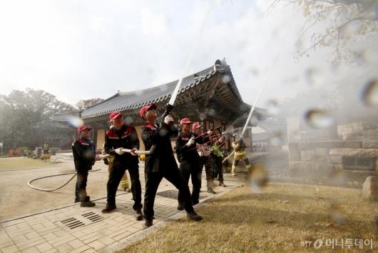 [사진]2019 재난대응 안전한국훈련 '신속한 화재진압'