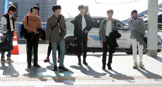 [사진]NCT127 '가을햇살 아래 멋진남자들'