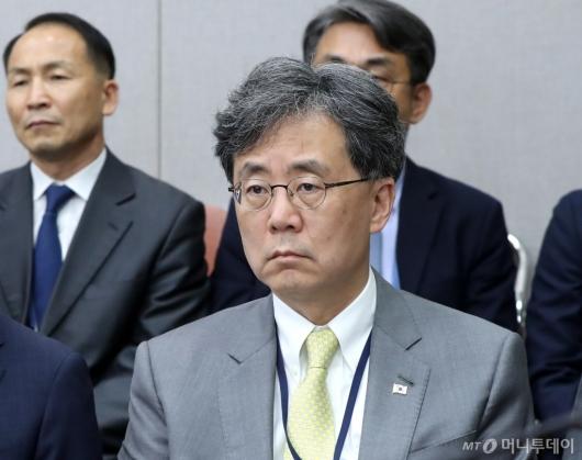 [사진]국감 출석한 김현종