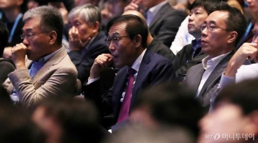 [사진]김기남 부회장 'AI 포럼 집중'