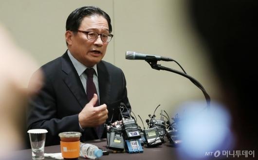 [사진]기자회견하는 박찬주 전 대장