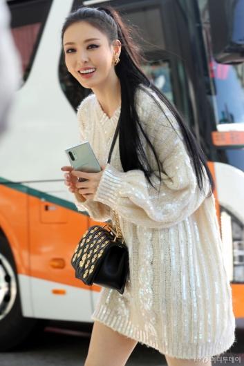 [사진]이다희 '아름다운 미소로 인사'