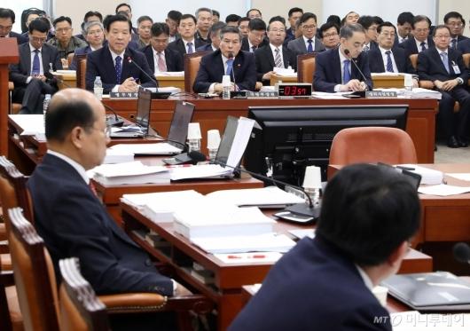 [사진]국회 국방위 전체회의
