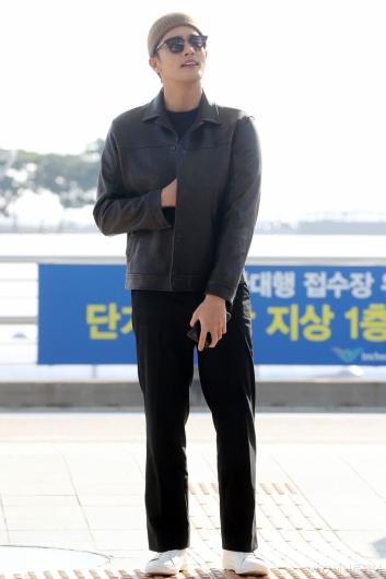 [사진]성훈 '가을햇살에 가슴도 따뜻'