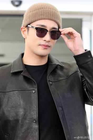 [사진]성훈 '선글라스 뚫고 나오는 눈빛'