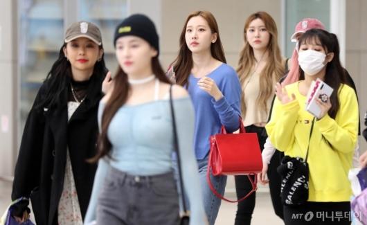 [사진]모모랜드 '싱가포르 공연마치고 입국'