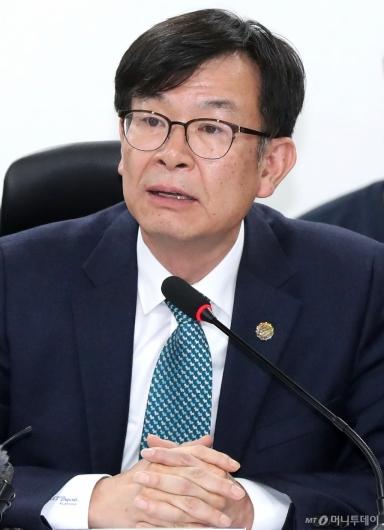 [사진]발언하는 김상조 정책실장