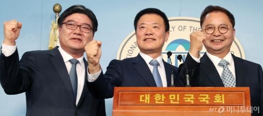 [사진]김용진 김학민 황인성, 더불어민주당 입당