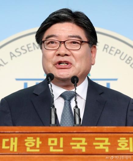 [사진]더불어민주당 입당한 김용진
