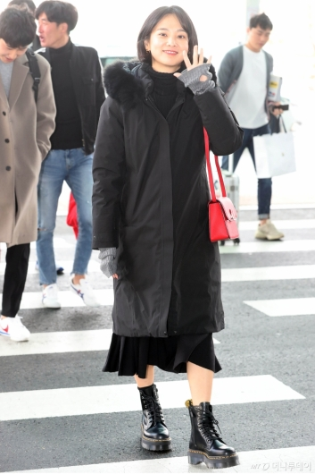 [사진]윤승아 '반가운 인사'