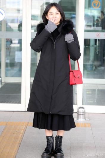 [사진]윤승아 '오늘은 블랙'