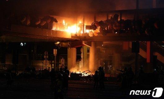 [사진] 큰불 발생한 이공대 인근 다리