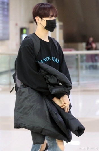 [사진]CIX 현석 '항상 비슷한 패션'