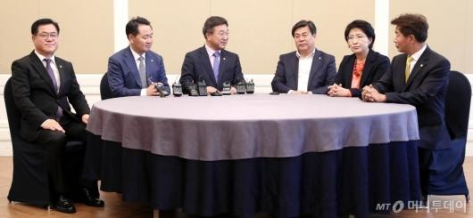 [사진]국회 정치협상회의 실무모임