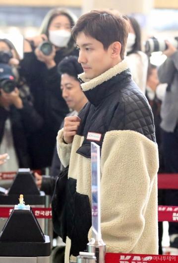 [사진]최강창민 '오늘도 긴장한듯한 표정'