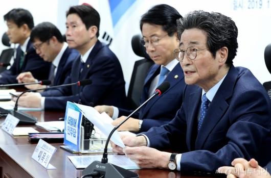 [사진]당정협의 발언하는 이목희