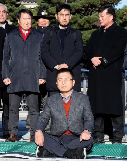 [사진]황교안, 단식 투쟁