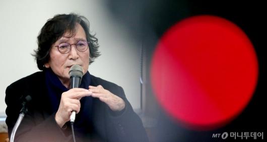 [사진]스크린독과점 관련 발언하는 정지영 감독