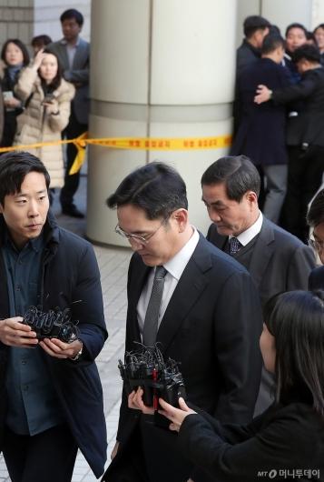 [사진]이재용 부회장 '묵묵부답'
