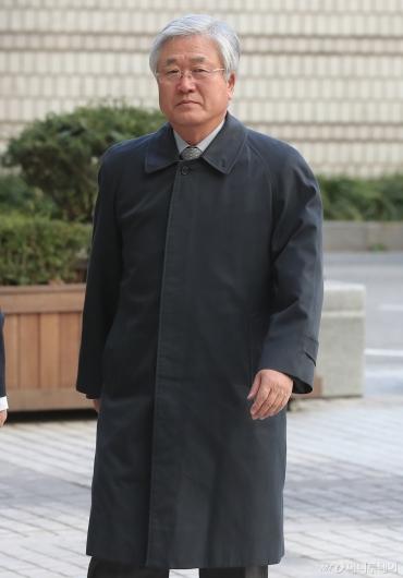 [사진]2차 공판 출석하는 박상진 전 사장