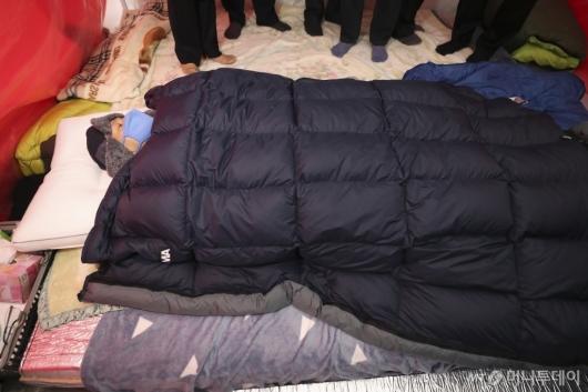 [사진]7일째 단식투쟁 이어가는 황교안 대표