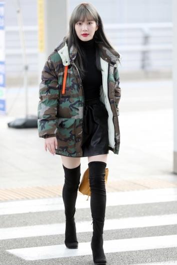 [사진]이유비 '가녀린 각선미'