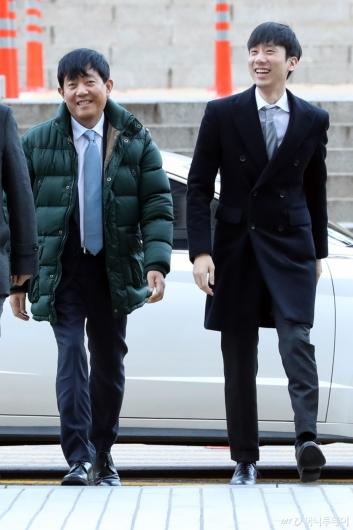 [사진]영장실질심사 출석하는 이재웅-박재욱 대표