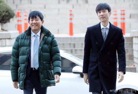 [사진]법정 향하는 이재웅-박재욱 대표
