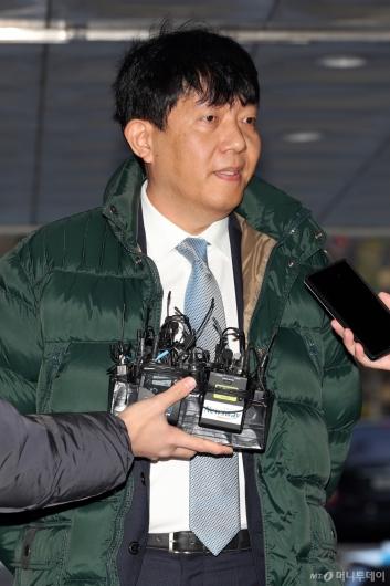[사진]답변하는 이재웅 쏘카 대표