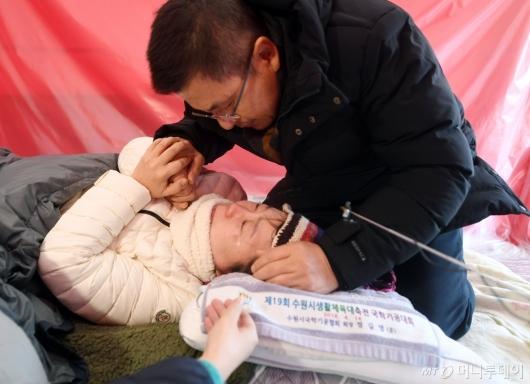 [사진]황교안 방문에 정미경 눈물