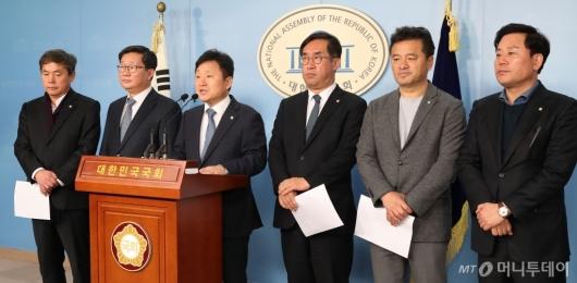 [사진]민주당, 예산안처리 촉구 기자회견