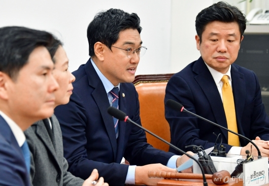 [사진]발언하는 오신환 원내대표