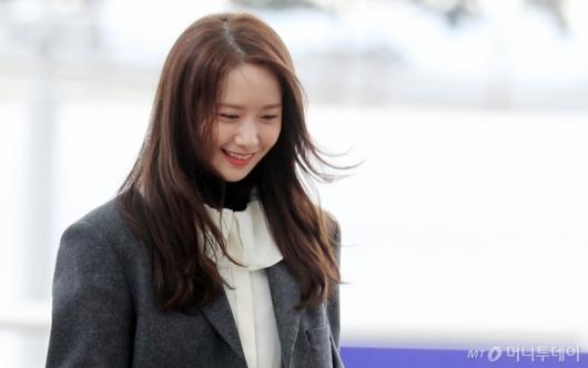 [사진]윤아 '칼바람에도 미소 활짝'