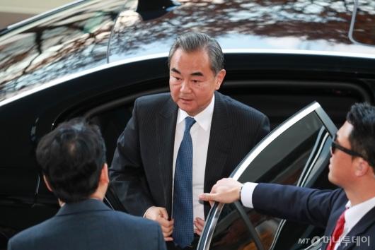 [사진]외교부 찾은 왕이 중국 외교부장