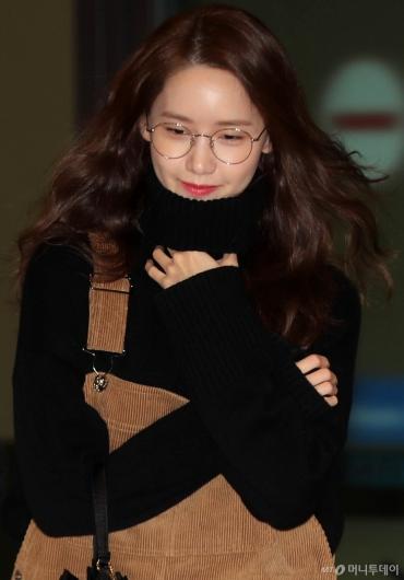 [사진]윤아 '흐믓한 미소와 함께'