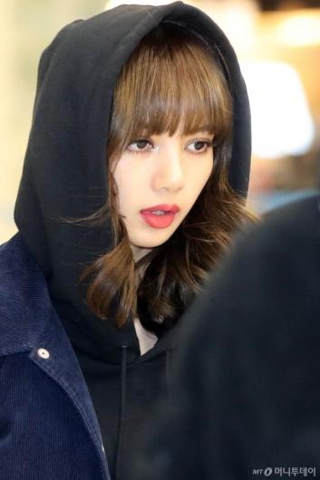 [사진]리사 '인형같은 미모'