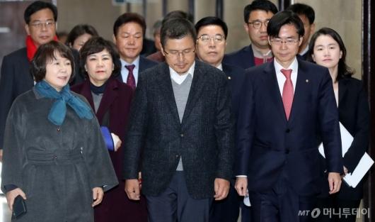[사진]나경원 원내대표 빠진 한국당 최고위