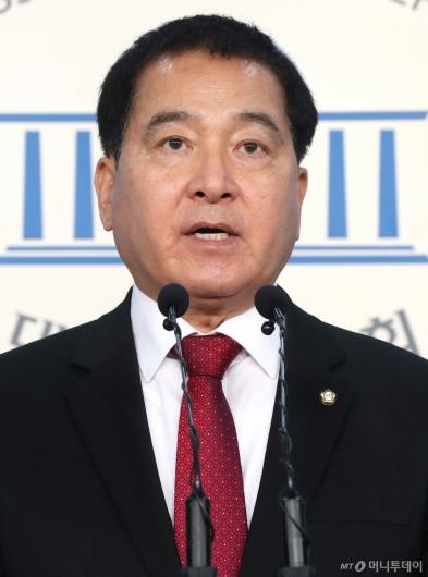 [사진]심재철, 한국당 원내대표 출마 선언