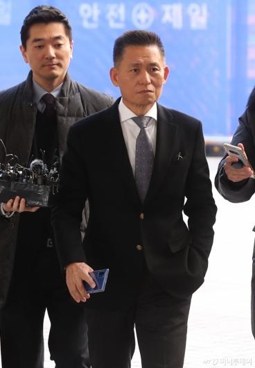 [사진]파기환송심 출석하는 황성수 전 삼성전자 전무