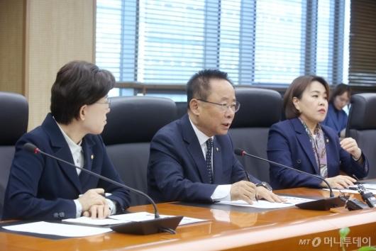 [사진]北선원 강제북송 진상규명 요구하는 자유한국당 의원들